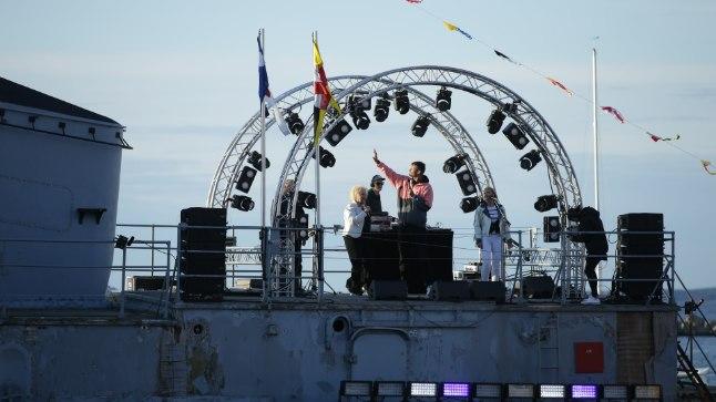 GALERII | Tallinna merepäevadel andsid ühise kontserdi Anne Veski ja Reket, üles astusid ka Victor Crone ja Stig Rästa