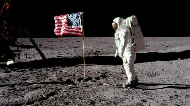 MÄLUMÄNG   10 küsimust Kuust