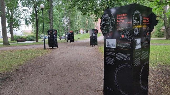 Väliskontaktide näitus Toomemäel.