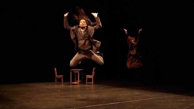 Jaapani tantsulavastus kujutab endast kapitalistlikule ühiskonnale omase paradoksi teravat kriitikat.