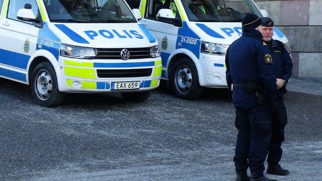 VALITSUS MURES: Rootsis palgatakse vägivalla ohjeldamiseks 10 000 uut politseinikku