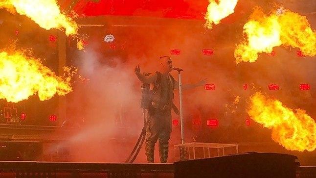 Rammsteini võimas lava-show ei jäta peaaegu kedagi külmaks. Pildil on juulis Suurbritannias toimunud kontsert.