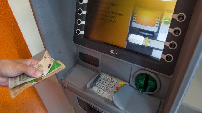 Pangad hakkavad rahaautomaatidest vaikselt viieuroseid kupüüre välja tõrjuma