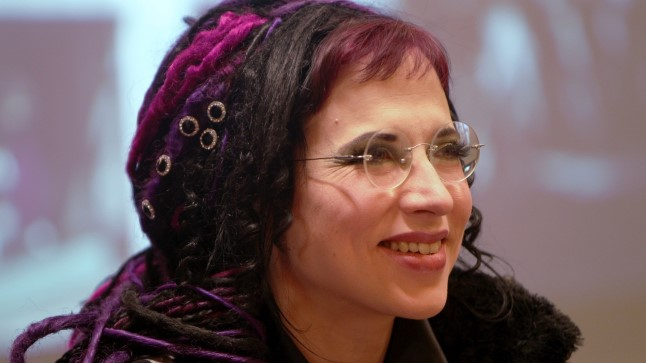 """Eesti juurtega kirjanik Sofi Oksanen: """"Olen vabatahtlikult lastetu."""""""