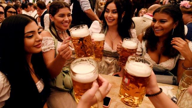 ÕLLESÕBRAD RÕÕMUSTAVAD: laupäeval algab Oktoberfest