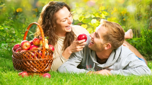 Suur sügise armuhoroskoop: Sõnni ootavad erootilised seiklused, Neitsit sulnis armuharmoonia
