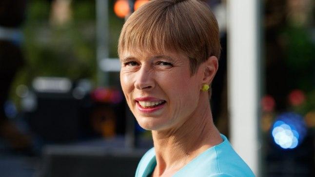 President Kersti Kaljulaid annetas peene kleidi heategevusele