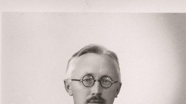 MEES NAGU ORKESTER: Rahukiriku rajajat Anton Eilartit jagus nii ajalehte toimetama, sõjaväevaimulikuks kui ka loomakaitseseltsi juhtima | Ajalugu
