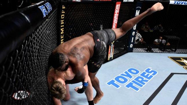 MMA staarid võivad nüüdsest rahulikult lõõgastuseks kanepit kimuda | Õhtuleht