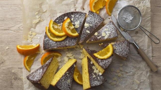 NÄDALA KOOK | Väherasvane, laktoosi- ja gluteenivaba lihtne apelsini-mandlikook   | Toidutare