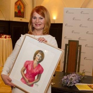 GALERII JA TV3 VIDEO: Mart Sander maalis Sirje Eesmaast raamatu auks portree