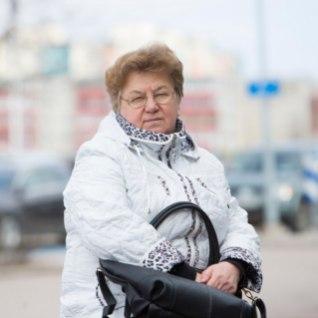 Abi asemel asus riik pitsitama naist, kelle surnud emale ta oli aastaid pensioni maksnud