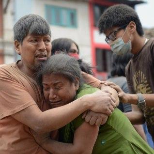 <b><font color=&quot;#d30008&quot;>GALERII JA VIDEO |</font></b> Nepali maavärinaohvrite arv on tõusnud üle 1300, tuhand