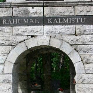 Rünnak Tallinnas Rahumäe terviserajal: käeraudadega mees ajas neiut taga