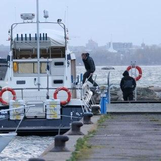 Pirital uppus jaht, kolm inimest päästeti tormisest merest
