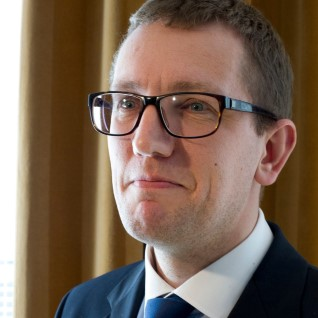 Michal plaanib riigifirmade nõukogudest poliitikud minema lüüa