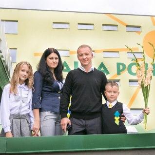FOTOD   Pavel Loskutovi poeg alustas Valgas kooliteed