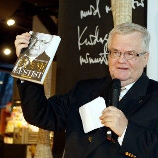 Savisaar võttis kuue raamatu eest 173 551 eurot honorari ja jättis siis kolm raamatut välja andmata