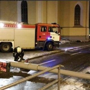 Tallinnas kukuvad tänavapostid kaela