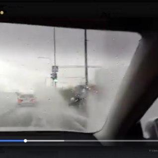 VIDEO | Rumalusel pole piire? Väge täis autojuht tundis rõõmu inimeste pritsimisest