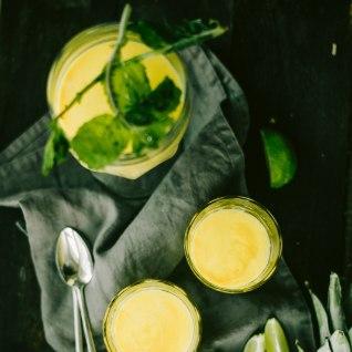 Tervisepomm! Lihtsalt valmiv <font color=&quot;#628e24&quot;>mango-ananassismuuti.</font>