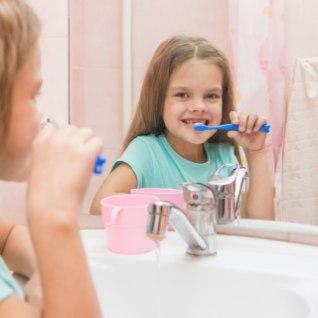 Miks on tänapäeval paljude hambaharjade harjased musta värvi?