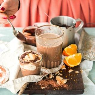 <font color=&quot;#1877b9&quot;>Kohvijook</font> šokolaadikastme ja kookosvahuga