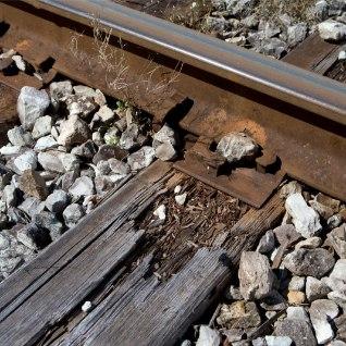 Tallinnas Hiiu peatuses oli naine rööbastel pikali maas. Rongijuht suutis otsasõitu vältida