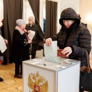 <font color=&quot;#d30008&quot;>GALERII JA VIDEOD | </font> Keda valisid Vene kodanikud Eestis Venemaa presidendiks? Ikk
