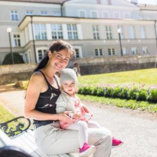 NÄITLEJANNA NATALI VÄLI: tütrest on raske eemal olla, aga ka ema teetass vajab täitmist