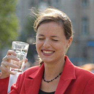 <font color=&quot;#d30008&quot;>LUGEJA:</font> MMSi asemel võiksin ravida inimesi ka tervendava kraaniveega