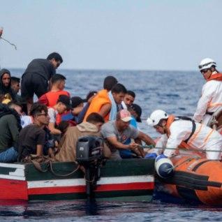 <font color=&quot;#d30008&quot;>RÄNDEKRIIS KESTAB:</font> tänavu on üle Vahemere saabunud 77 555 migranti