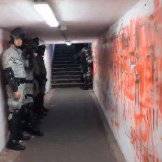 VIDEO | <font color=&quot;#d30008&quot;>ÕUDUSTE TUNNEL?</font> Napoli mängijate teekond garderoobist Belgradi satsi muru