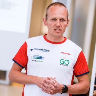<font color=&quot;#d30008&quot;>HULL MEES!</font> Raudmees Ratasepp alustas 20päevase triatlonimaratoniga