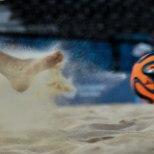 ÕHTULEHE VIDEO   Eesti rannajalgpallikohtunik Euroopa mängudel vilistamisest: Kohati oli kunstliival väga raske liikuda