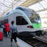 <font color=&quot;#d30008&quot;>KOHUTAV: </font>Helsingi raudteejaamas sai mees võhivõõralt noalöögi selga