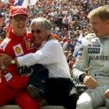 <font color=&quot;#af3399&quot;>Häkkinen:</font> Ferrari ja Vettel vajaksid hädasti Schumacheri abi