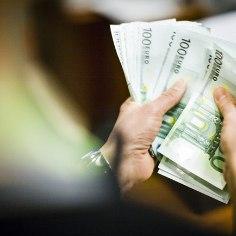 Kuidas suhtuda rahasse ja millised eesmärgid ning kohustused on mõistlik seada enda jaoks esikohale? Tähtsaimad märksõnad, mis iseloomustavad kõige efektiivsemat lähenemisviisi oma isiklikele rahaasjadele, on kohustused, eelarve ja eesmärk.