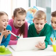 Uuringud näitavad, et eestimaalaste finantskirjaoskus ehk asjatundlikkus oma rahaasjade korraldamises ei ole kiita. Et kulud tulusid ei ületaks ja ootamatute olukordade lahendamiseks ka sääste koguneks, tuleks sellekohaseid näpunäiteid anda juba lapsest peale.