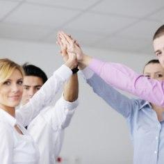 Preemiad, boonused, vabadus ja sõbralik ülemus. Kõlab ideaalselt, aga ühel hetkel tekib ikkagi tunne, et tahaksite uusi väljakutseid. Üheks võimaluseks on astuda välja alluva mugavustsoonist ja asutada oma firma. Paljud aga pelgavad, et peavad senise finantsstabiilsusega hüvasti jätma. Kuidas seda kartust ületada?