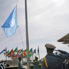 Kasvav rahvastik, vähenevad loodusvarud, reostus, kliimamuutused, sagenevad katastroofid ja muidugi mõista vaesus on põhjused, miks ÜRO on kolm viimast aastat pingsalt arutlenud, kuidas edasi.