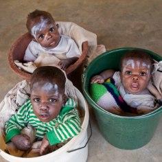 Laps vajab arenguks armastust ja mõistmist ning peab võimaluse korral kasvama üles vanemate hoole ja vastutuse all. Eri kultuurides ja regulatsioonides peetakse lapsevanemateks ikka isa, kes on lapse eostanud, ja ema, kes on lapse sünnitanud.
