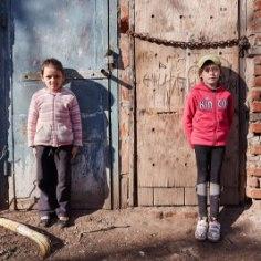 """Eesti on kriisides toetanud <a class=""""tag-3431"""" href=""""http://www.ohtuleht.ee/teemalehed/unicef"""">UNICEFi</a> ja selle tegevusi 1998. aastast. Meie riik on praegu UNICEFi täitevnõukogu (annab lastefondi tegevuseks suuniseid) liige ning sel aastal ka UNICEFi büroos asepresident."""