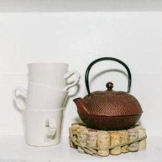 Kuum pudrupott, teekann või pannitäis kastet – neid lauale tõstes peab alla panema kuumaaluse. Kork on selle valmistamiseks parim materjal.