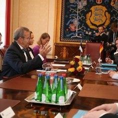 В четверг утром канцлер Германии Ангела Меркель в рамках двухдневного визита встретилась в Кадриорге с президентом Эстонии Тоомасом Хендриком Ильвесом.