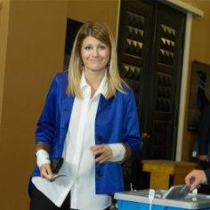 """""""Мы ожидали такого результата, у нас велась плановая работа"""", — прокомментировала Delfi результаты первого тура депутат Рийгикогу от партии IRL Витория Ладынская."""
