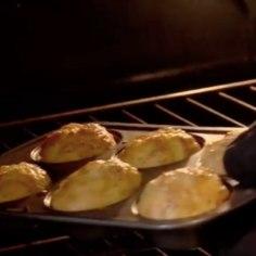 Omletist inspireeritud mõnusad juustused muffinid on hommikulauale lausa loodud. Proovi järele!