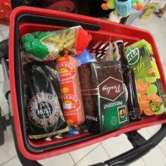 Согласно результатам обзора цен в продуктовых магазинах, в октябре дороже всего закупаться вRimi, далее следуютSelverи Coop (Maksimarket,Konsum, AjaO).
