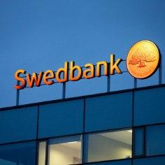 """Десять лет тому назад Swedbank """"похоронил"""" на просторах Румынии миллионы евро своих клиентов, а в эту среду Таллиннский окружной суд постановил, что банк должен прекратить скрывать свою тогдашнюю деятельность и рассказать правду."""