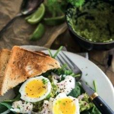 Tervislik ja toitev hommikusöök valmib kiirelt ja on ideaalne nauding argihommikul!